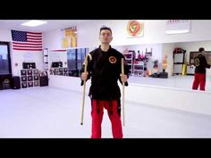 How to Use Your Walking Stick in Self-Defense. Part of the series: LS - Martial Arts Techniques. A walking stick can be a very practical tool to help us in o. Self Defense Weapons, Survival Weapons, Survival Life, Apocalypse Survival, Goju Ryu, Karate Kata, Stick Fight, Bo Staff, Martial Arts Weapons