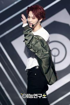 250317 GOT7 - Never Ever @ Show Music Core #WelcomeBackJackson   Jaebum focus