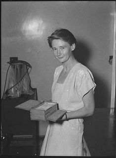 Dr Beryl Nashar, 1955 / by unknown photographer. Dr Beryl Nashar ), a geologist, was the first female Dean of Science at an Australian university. of NSW collection. 20th Century Women, Australian Ballet, Famous Novels, Becoming A Teacher, Great Women, Amazing Women, Women In History, Ladies Day, Powerful Women