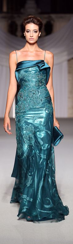 Abed Mahfouz - Haute Couture Fall Winter - Shows - Vogue. Abed Mahfouz, Beautiful Gowns, Beautiful Outfits, Elegant Dresses, Pretty Dresses, Couture Fashion, Runway Fashion, Dress Vestidos, Vogue