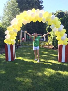Look what one of our customers created with our latex arch kit.  Great for your carnival  or movie theme party nights. #movietheme #carnival #balloonarch