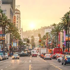 Los Angeles, California, USA Must see/Must do: Visit the Santa Monica Pier Cheapest Places To Fly, Cheap Places To Travel, Cheap Travel, Budget Travel, Places To See, Travel Hacks, Santa Monica, Sunset Boulevard, Walkable City