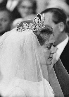 b34c46260c13 87 bästa bilderna på The Cameo Parure under 2019 | Crown princess ...