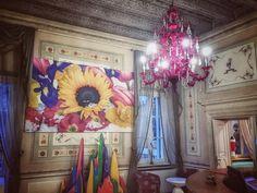 Nel paese delle meraviglie... @byblos.art.hotel - #buongiorno #arthotel #valpolicella #verona #luxurytravel #instatravel #igersverona #ig_verona #art #design #luxury #besthotel #love #picoftheday #instadaily #italianexperience #daianalorenzato #follow #beautiful #italy #inspiration #moments
