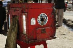 """How to use an Afghan box camera """"kamra-e-faoree"""""""