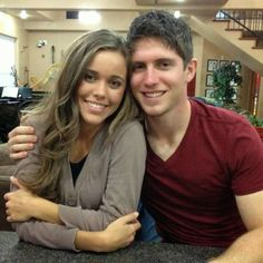 Should Kids be Getting Married At 18? Jessa Duggar is 21 years old and she is courting Ben Seewald who is only 18. He is attending a community college and repairs windshields. Bob Duggar remarked on his show that they would probably hear wedding bells in a few months!