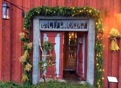 Julehuset på Domkirkeodden har åpent helga i advent. Natural Materials, Garage Doors, Christmas Decorations, Advent, Places, Outdoor Decor, Diy, Gardening, Home Decor
