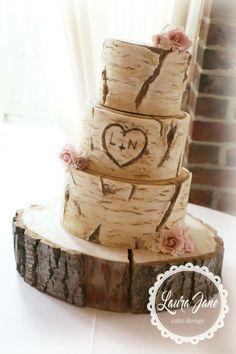 Tree Trunk Rustic wedding cake #DIYRusticWeddingprojects