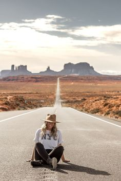 road trip - 🌳👣🌳Lady Wild Soul - Nothing like an Arizona road trip Monument Valley Arizona Road Trip, Arizona Travel, Road Trip Usa, Arizona Usa, Monument Valley, Road Trip Photography, Grand Canyon Photography, Photography Tips, Mädchen In Bikinis