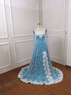 Elsa Frozen costume inspiration from Nikita - Disney costume -Elsa Dress Kids Elsa Costume, Frozen Costume, Baby Halloween Costumes, Couture Dresses Gowns, Ice Dresses, Girls Dresses, Prom Dresses, Blue Wedding Gowns, Elsa Dress