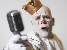 Puddles Pity Party clowns around towns