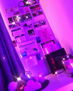 Neon Bedroom, Room Ideas Bedroom, Bedroom Decor, Aesthetic Rooms, Apartment Interior, Dream Houses, Room Inspiration, Indie, Teen