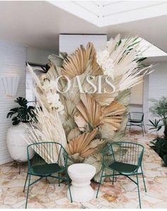 Celebrating Spell Oasis in Byron Bay - Geschenkkorb Decoration Branches, Table Decorations, Flowers Decoration, Wedding Flower Decorations, Wedding Flowers, Salas Lounge, Design Art Nouveau, Shop Signage, Design Poster