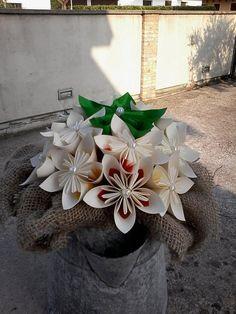 Centro tavola per matrimonio kusudama origami di BOMBOSTEFY