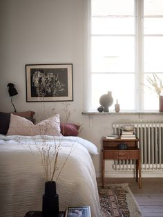 Cozy studio space with lots of details - COCO LAPINE DESIGN Cozy studio space with lots of details Furniture, Interior, Home, Home Bedroom, Bedroom Interior, Luxurious Bedrooms, Bedroom Furniture, House Interior, Apartment Style