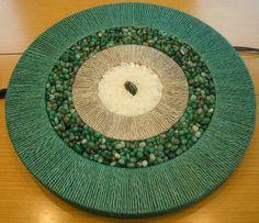 Mandala com pedras brasileiras e sisal