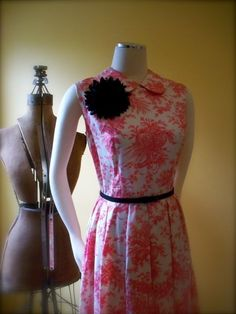 vintage red delicious pleated 1950s dress with peter pan collar