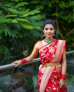Looking for bridal blouse designs? Here are 16 amazing blouse models that are sure to steal your heart. Blouse Back Neck Designs, Bridal Blouse Designs, Saree Blouse Designs, Blouse Patterns, Traditional Silk Saree, Traditional Outfits, South Indian Bride, Indian Bridal, Kerala Bride