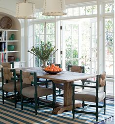 2 pendants over table. Traditional Dining Room by Peter Dunham Design 2 pendants over table. Traditional Dining Room by Peter Architectural Digest, Style At Home, Home Interior, Interior Design, Interior Doors, French Interior, Apartment Interior, Apartment Living, Traditional Dining Rooms