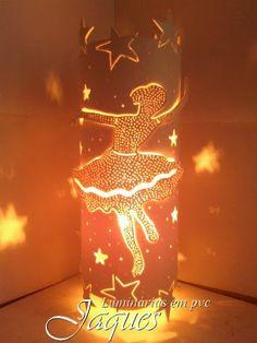 luminária em pvc Bailarina estrela, ,criada com cano de 100mm e com 30 cm de altura