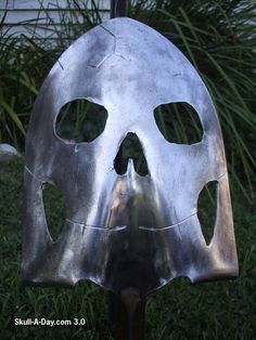 Plasma cut shovel skull.