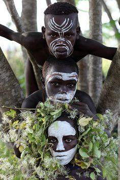 Young Suri boys, Kibish River, South Omo, Ethiopia.(Dietmar Temps)