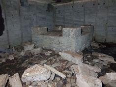 Atlantikwall Regelbau Bertha - Commando Bunker for Luftwaffe Night Fighter From World War 2 Abandoned Houses, Abandoned Places, Secret Bunker, Bunker Hill Monument, Doomsday Bunker, Archie Bunker, Underground Shelter, Safe Room, Nuclear War
