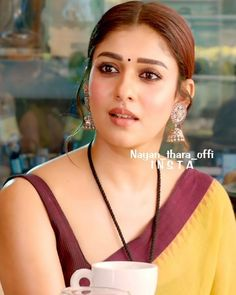 Nayanthara In Saree, Nayanthara Hairstyle, Saree Hairstyles, Bollywood Makeup, Bollywood Actress Hot Photos, Most Beautiful Indian Actress, Beautiful Actresses, Beauty Full Girl, Beauty Women