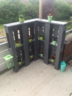 Pallet patio idea Source by fathornek Diy Pallet Projects, Outdoor Projects, Garden Projects, Outdoor Decor, Pallet Ideas, Diy Garden, Pallet Patio, Pallets Garden, Wood Pallets