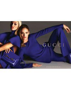 Anja Rubik e Karmen Pedaru por Mert Alas e Marcus Piggott para Gucci