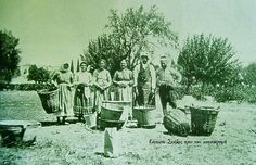 Vourla (Urla) Greek History, Ottoman Empire, Old Photos, Greece, Places To Visit, Old Things, Painting, Respect, Military