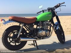 Kawasaki 440 scramber. Mine had black seat with blue tank