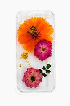 Freshly pressed flowers in a phone case? Yes please!