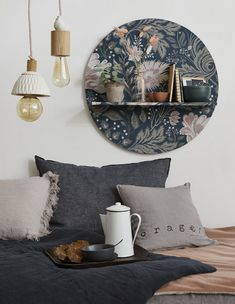 Make a trompe-l& wall shelf - Discover our tutorial to make a trompe-l& wall shelf with wallpaper You are in the right pl - Hallway Decorating, Porch Decorating, Interior Decorating, Interior Design, Upcycled Home Decor, Wall Shelves, Cheap Home Decor, Home Remodeling, Decorative Bowls