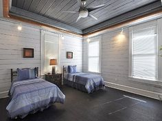 Vacation rental in downtown Austin, TX.    http://www.homeaway.com/vacation-rental/p928367