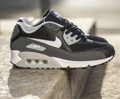 "Nike Air Max 90 Essential ""Black. Grey & White"""