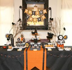 Halloween is coming!! Halloween dessert table