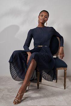 Ralph Lauren Resort 2019 collection, runway looks, beauty, models, and reviews.