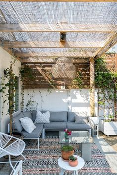 - Rustic Pergola Ideas DIY - Pergola Patio I ., - Ideas rústicas de la pérgola DIY - Pergola Patio I . # diy There's little time such as the prevailing to generate the most our own backyard space. Rustic Pergola, Deck With Pergola, Backyard Pergola, Diy Patio, Patio Stone, Patio Privacy, Flagstone Patio, Budget Patio, Concrete Patio