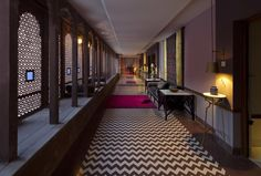 Corredor Do Hotel, Hotel Hallway, Hotel Decor, Floor Patterns, Velvet Sofa, Stairways, Facade, India, Flooring