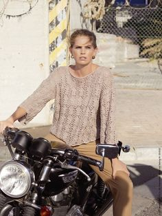 Die Anleitung zu dem Pulli gibt's in der Sabrina 05/2020! Im Handel und im OZ Shop.   Foto: Bob Leinders Bike, Shirt Dress, Mens Tops, Shirts, Dresses, Fashion, Summer Clothes, Tejidos, Journaling