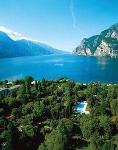 Du Lac et Du Parc Grand Resort, Tyrol & Dolomites - Hotel & Wedding Venue in Italy  #GettingMarriedinItaly.com