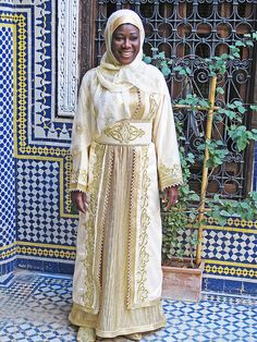 Fes...Morocco Beautiful Moroccan Lady www.finelalla.com