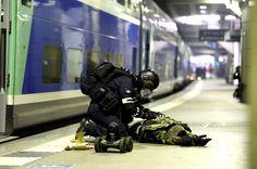 Dans la nuit de mardi à mercredi, le GIGN, le RAID et la BRI ont organisé un exercice grandeur nature à la gare Montparnasse (Paris) pour tester leurs capacités de réaction à une attaque terroriste.