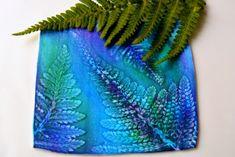 """Pokud si o nějaké technice myslím, že je ideální pro začínající tvořílky s Fimo hmotou, pak je to technika se suchými pastely. Nepotřebujete """"tisíc"""" barev hmoty, nepotřebujete žádné drahé pomůcky, stačí vám pomůcky základní a k nim kousek přírody a pastely Karat, které také nejsou drahé, vycházejí zhruba kolem pětadvaceti kaček za barvu. Tyto pastely vyrábí firma Staedtler, stejně jako Fimo :)."""