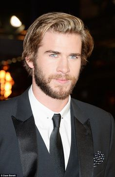 Fiercely sexy: The younger brother of Chris Hemsworth decided to mix up his look with a sold bold facial hair Liam Hemsworth, Hemsworth Brothers, Just Beautiful Men, Most Beautiful People, Pretty People, Beautiful Eyes, Sr1, Handsome Actors, Mockingjay