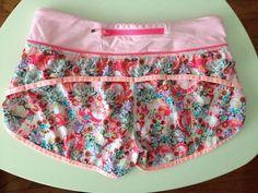 Lululemon Flowabunga Speed Shorts Pink Coral Floral Flowers Size 4 #Lululemon #Shorts