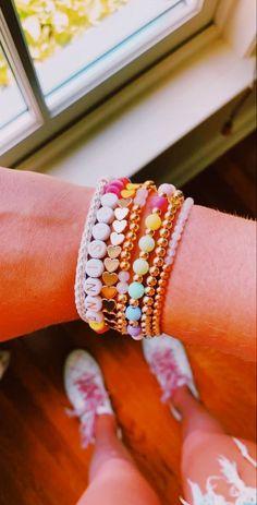 Dainty Jewelry, Cute Jewelry, Beaded Jewelry, Jewelry Accessories, Jewelry Ideas, Preppy Bracelets, Cute Bracelets, Beaded Bracelets, Cute Friendship Bracelets