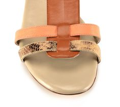 Stylish Sandals, Flat Sandals, Flats, Designer Shoes, Footwear, Chic, Heels, Collection, Fashion