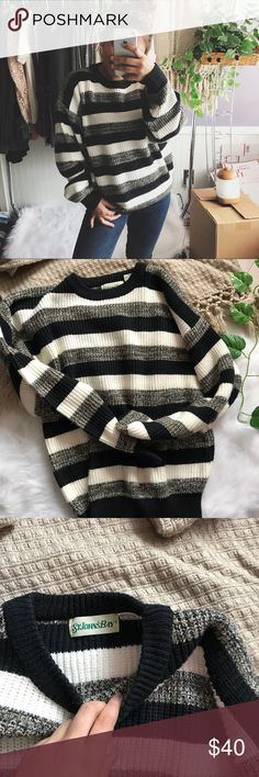 Chunky sweater Perfect sweater  My favorite sweater 🌿✨ Have worn and washed this so many times and I've taken really good care of it as you can see no flaws and rarely any signs of wear!  Size L im usually a size s-m and I love the fit Price is firm Vintage Sweaters